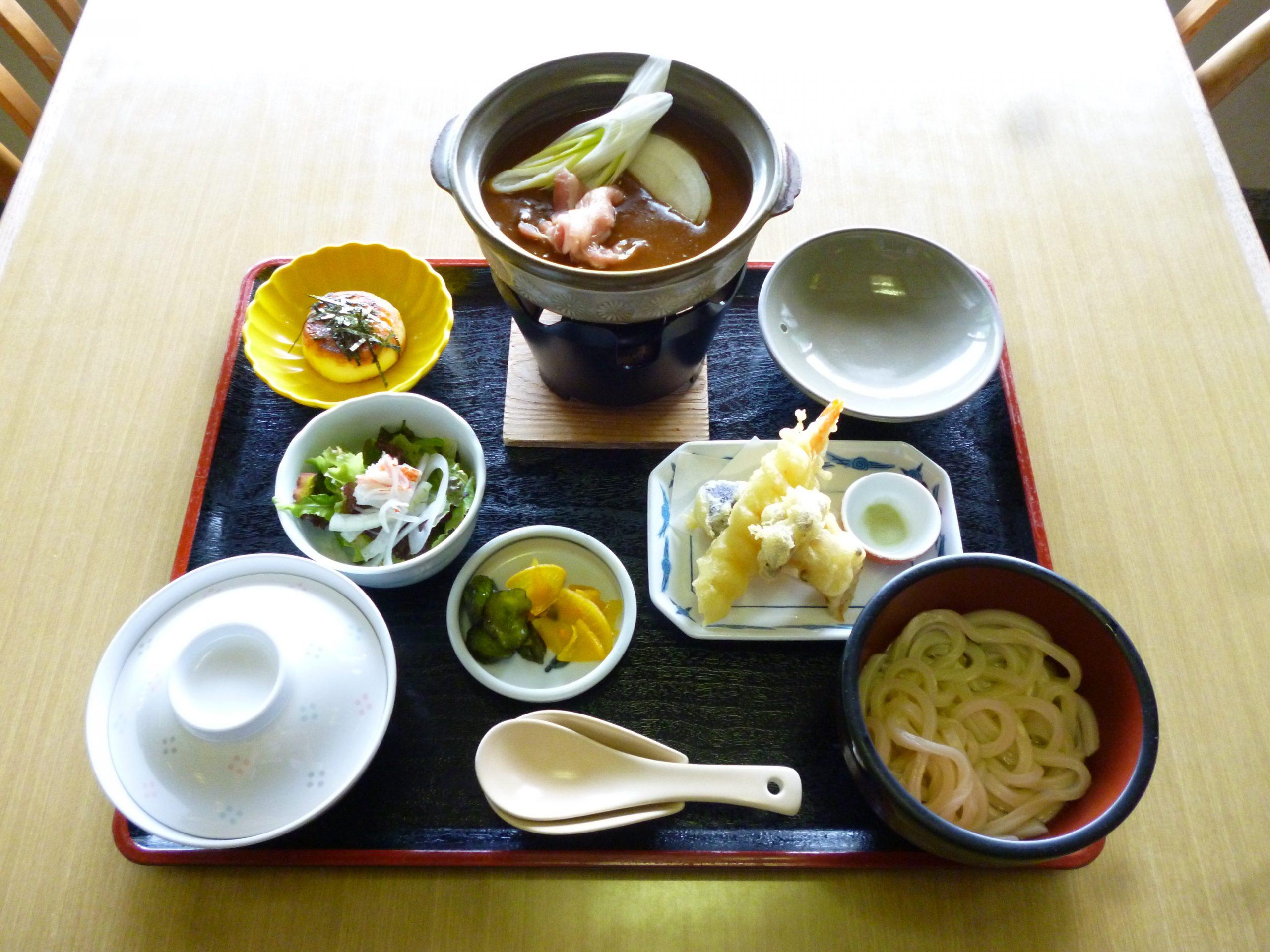 蜂カレーうどん御膳 / 1800円