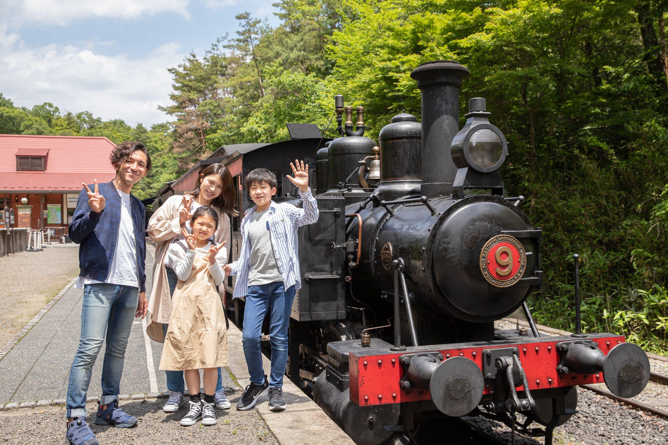 明治時代から走り続けるSL蒸気機関車